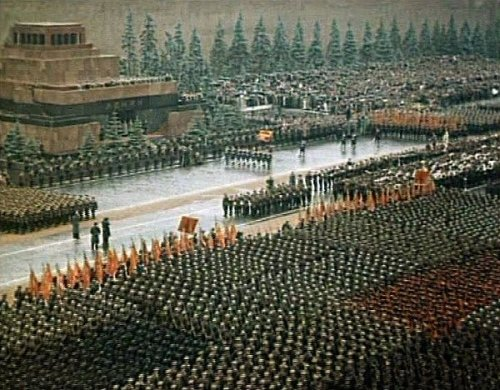 1361966304_Victory parade in Red Square, Moscow, 24th June 1945.